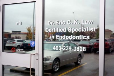 NW Endodontics Door Sign